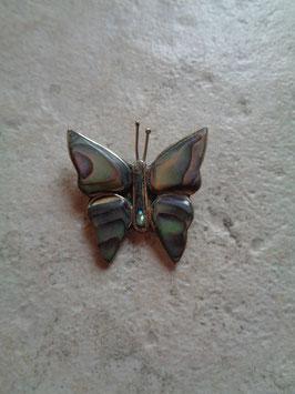 Broche papillon nacré