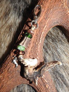 Taschen- oder Schlüsselanhänger mit einem abnormen Rehhorn