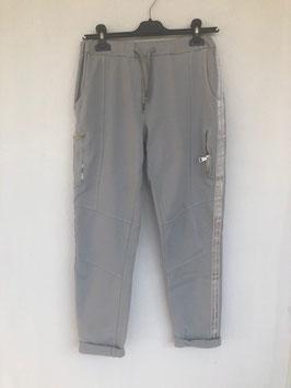 Jogging Hose mit Streifen grau