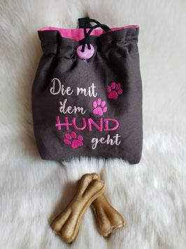 Leckerlibeutel Die mit dem Hund geht pink