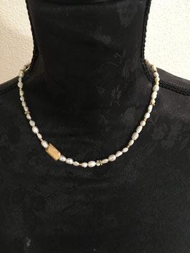 Perlenkette modern