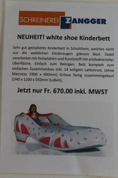 white shoe Kinderbett
