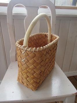 Näverväska med trähandtag / 木ハンドルのバッグ