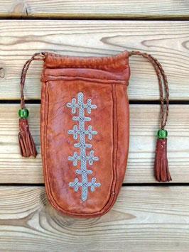 Samisk kaffepåse i renskinn/ サーミ族のピューター刺繍 巾着
