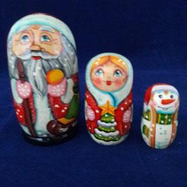 """Matroschka 3-teilig mit Motiv """" Weihnachtsmann -Familie"""""""