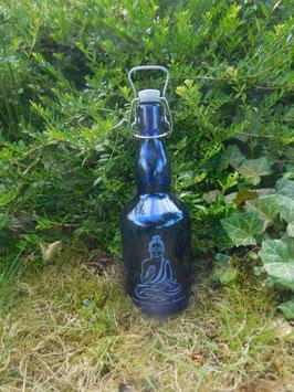 Bügelflasche 0,75 ltr. mit Buddha
