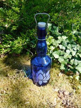 Bügelflasche 0,75 ltr. mit Lotus