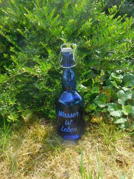Bügelflasche 0,75 ltr. mit Wasser ist Leben