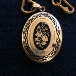 Schönes grosses Biedemeier  Medallion mit Kette