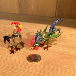 Glas, Huhn und Hahn