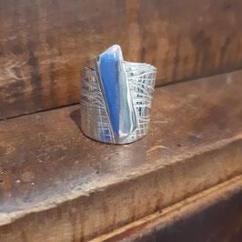 1/2020 gealterter Ring mit Muster  925 weiß