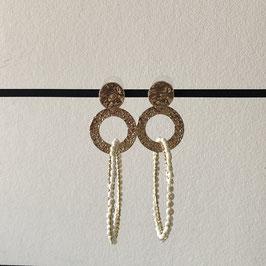 Pearl oorbellen |  Rond wit met goud en steker