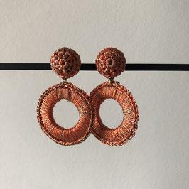 Satijndraad oorbellen | Metaal textiel oranje met steker