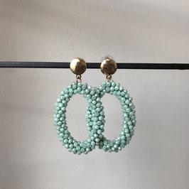 Candy oorbellen | Ovaalvorm facetglas lichtblauw met steker
