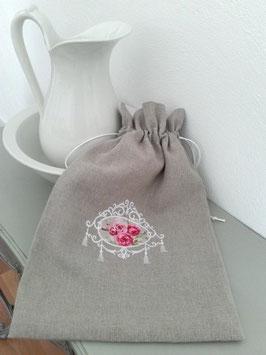 Sac lingerie lin médaillon fleuri