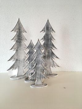 Holz Tannenbäume mit Standfuß geweißt