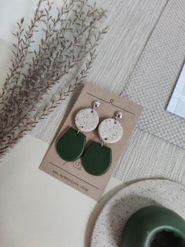 Ohrringe Kreis Steinimitat natur, Tropfen halb dunkelgrün, Ohrstecker silberfarben