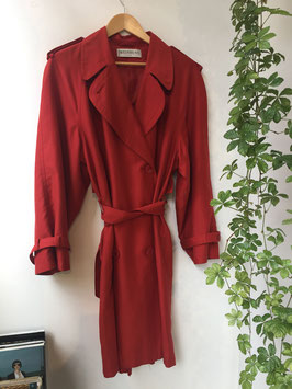 Rode trenchcoat