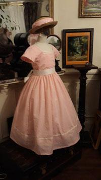 robe petite fille modèle : les Malheurs de Sophie . coton taille 6 ans