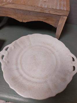 Mooie antieke beboterde schaal van Petrus Regout, type Wellington. diameter 31 cm