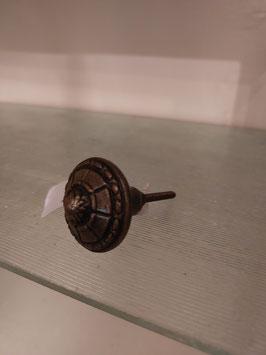 ronde knop gietijzer gebronsd, 4 cm, prijs per stuk.