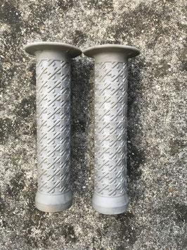 poignées grise type bmx