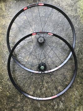 paire roues ZTR alpine moyeux rcz lefty 1420gr NEUVE