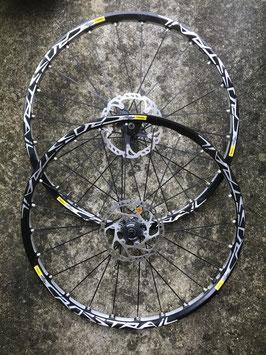 mavic crosstrail disc centerlock