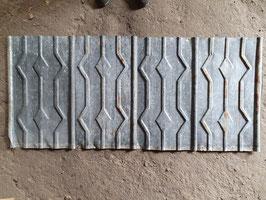alte Blechschindeln Blechplatten mit Karo-Muster Nr 0306