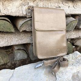 Kleine Umhängetasche rechteckig mit abnehmbarem Gurt und Magnetschließe - hellbraun mit Croco Prägung