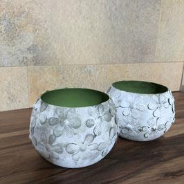 Teelichthalter mit Blumen in Grün/Weiß