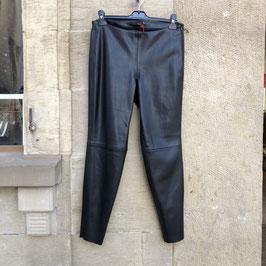 Schwarze Hose der Marke Stehmann im Leder-Look