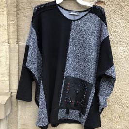Grau/schwarzes Shirt mit aufgenähter Tasche und tollen Details