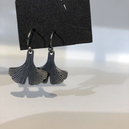 Silber-graue Ginko-Anhänger