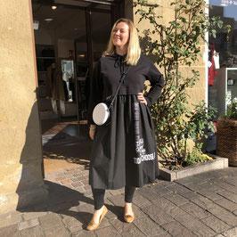 Sweater-Kleid mit Print und silbernen Ringen in 3 Farben