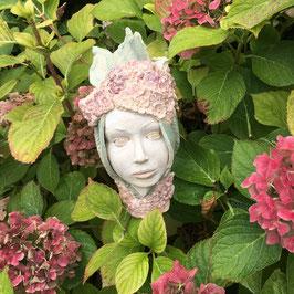 Die Hortensienfrau