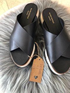 Sandale mit Plateausohle