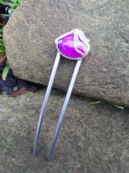 Forke mit pinken Stein und üppiger Verzierung