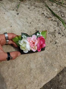 Rosen Haarkamm mit Blättern