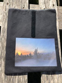 Mittagssonne in finnisch Lappland | Oilskin schwarz