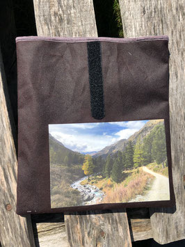 Val Rosegg | Dry Oilskin Walnut