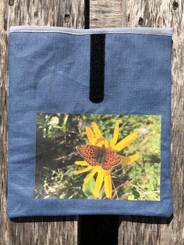 Fuchsschwanz auf Arnika | beschichteter Leinenstoff Blau