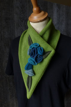 Col Echarpe Vert - Boutons de roses bleues