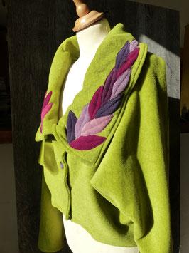 Veste courte Verte déco feuilles violettes
