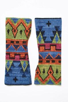 Toll gemusterte Armstulpen in traditionellen Inka-Farbtönen