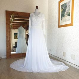 Robe de mariée, dentelle, vintage, recyclée, manches longues, perles nacrées, écru, blanc cassé, crêpe, traîne, L, 42/44, SARAH