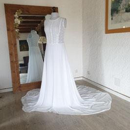 Robe de mariée en dentelle recyclée, guipure, bouton perles nacrées, blanc et blanc cassé, crêpe et mousseline, jolie traîne, L, 42/44, GINA