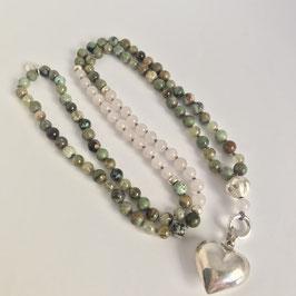 Mala aus grünem Opal, afrikanischem Türkis, grünem Granit und Rosenquarzperlen