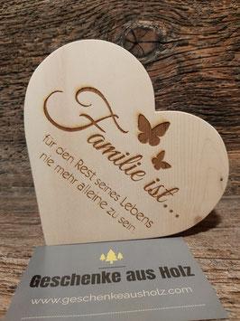 Familie ist... | Herz aus Zirbe | eingravierter Spruch | Holzherz | Geschenk