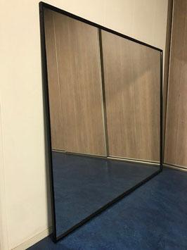 Spiegellijst 1565 x 1355 mm - mat zwart (spiegel beschadigd)